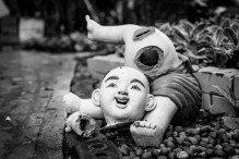 WAT THA KA RONG broken statue