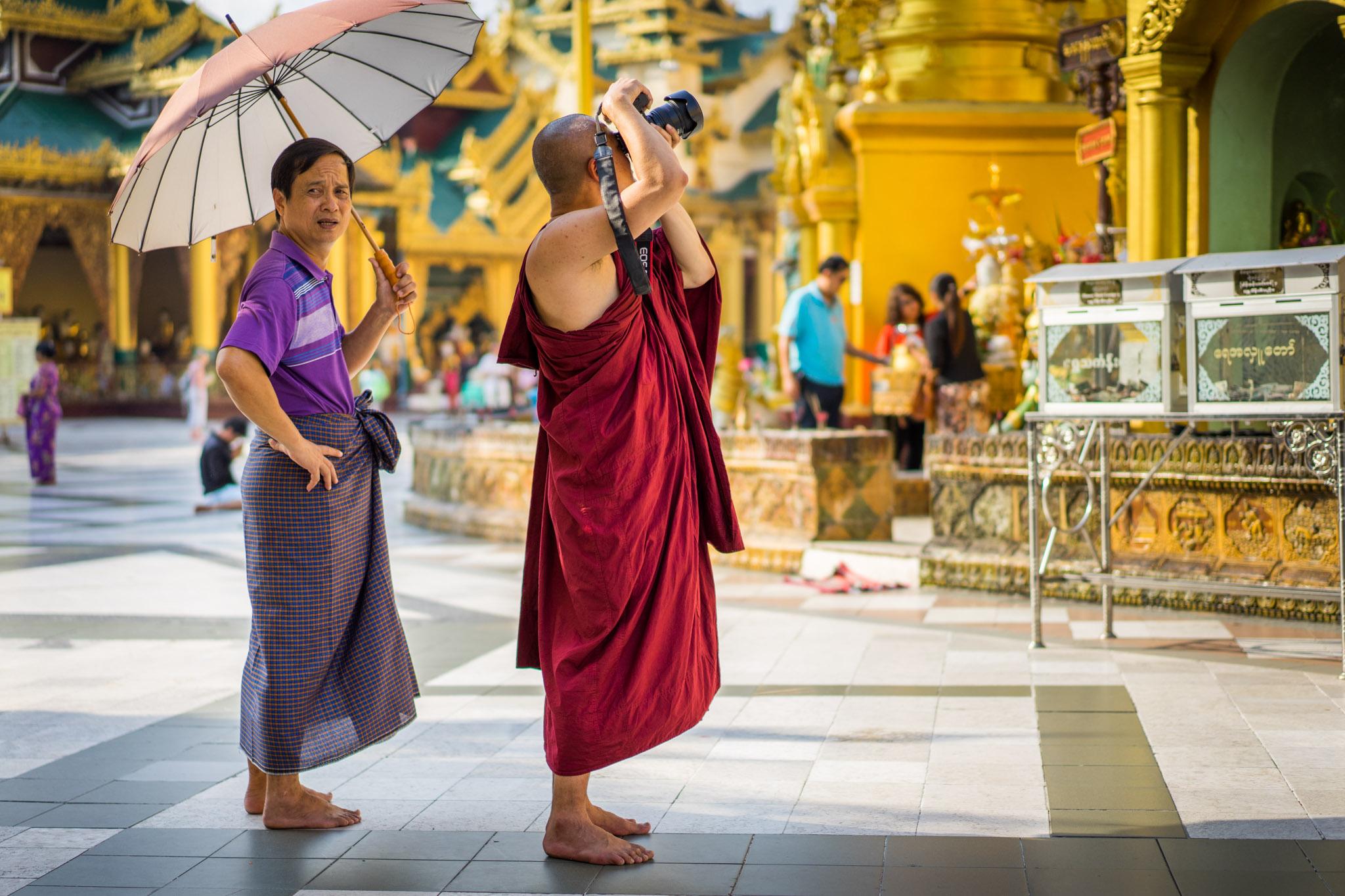 Moine photographe bouddhiste 5D