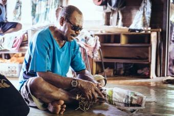 Cérémonie du Sevusevu avec le chef de Nacereyaga