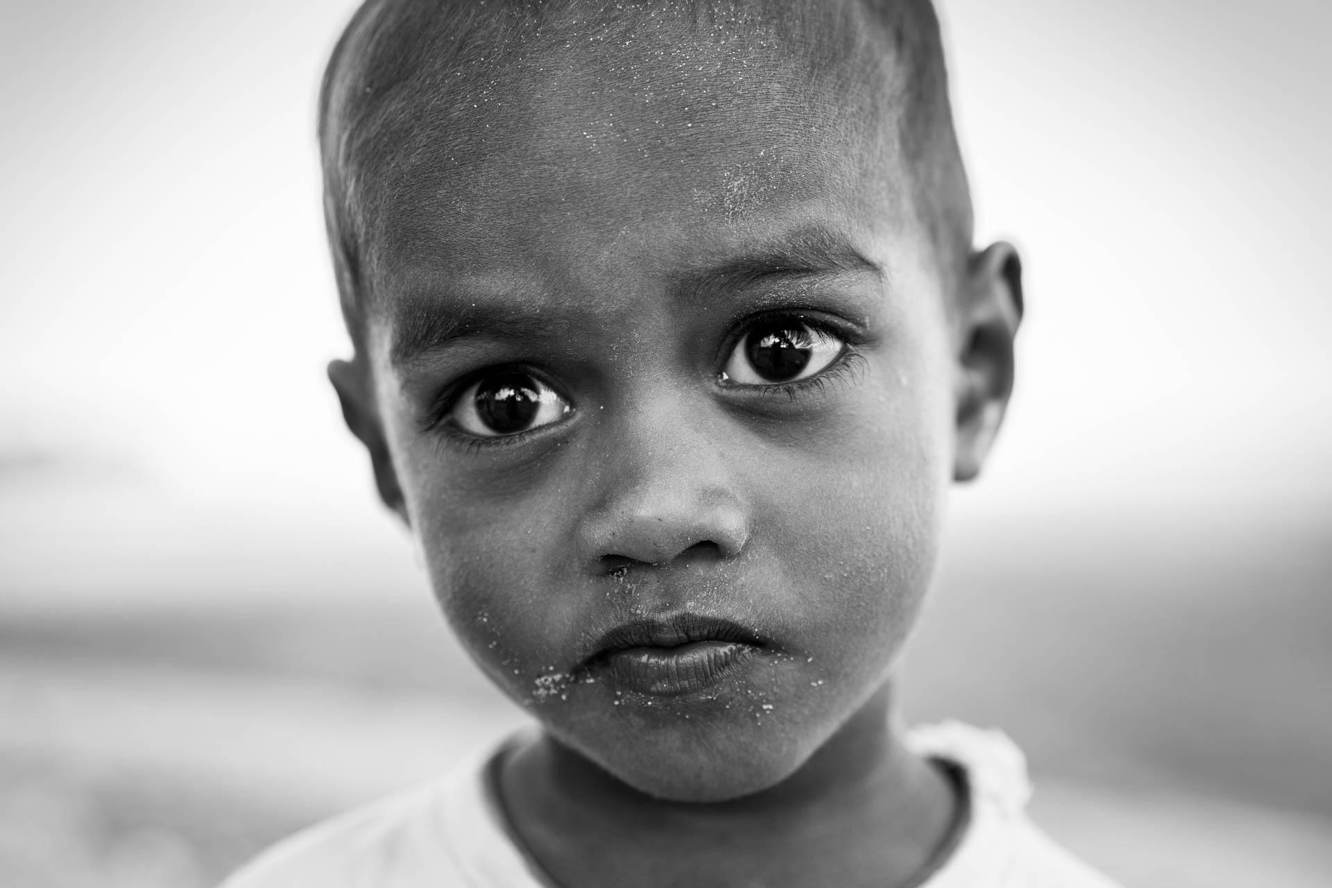 portrait enfant noir et blanc