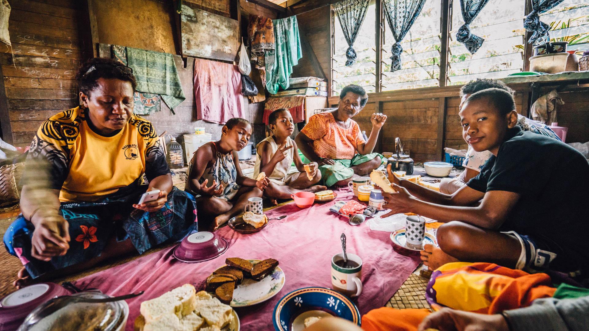 Déjeuner à la fidjienne