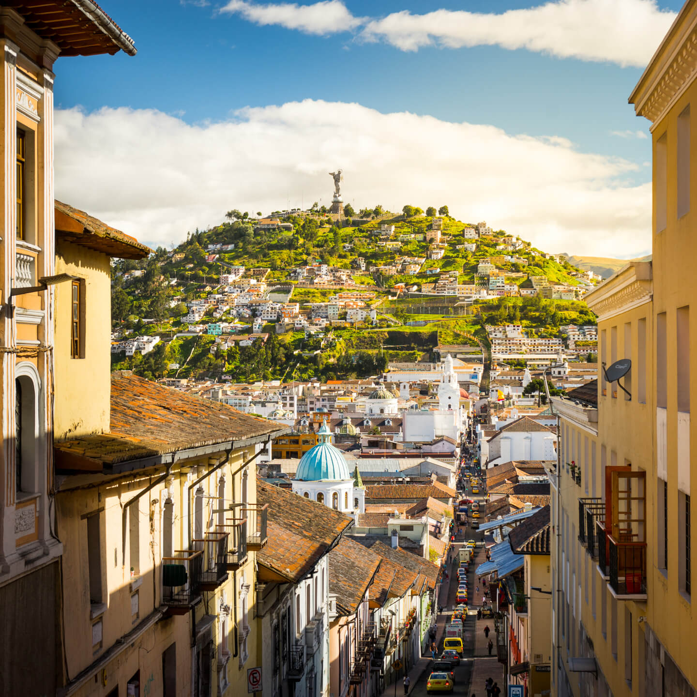 Vue sur Quito, Virgen del Panecillo
