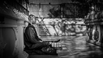Moine à Yangon