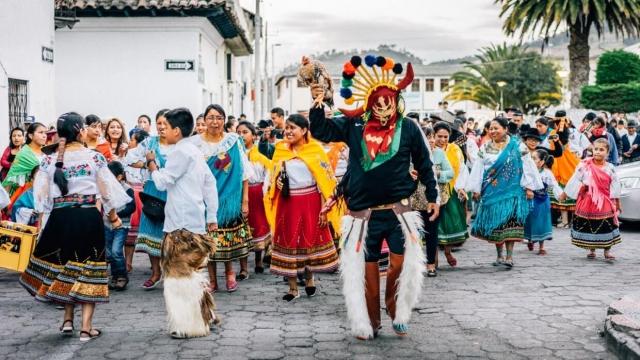 Défilé de San Pablo pour Inti Raymi