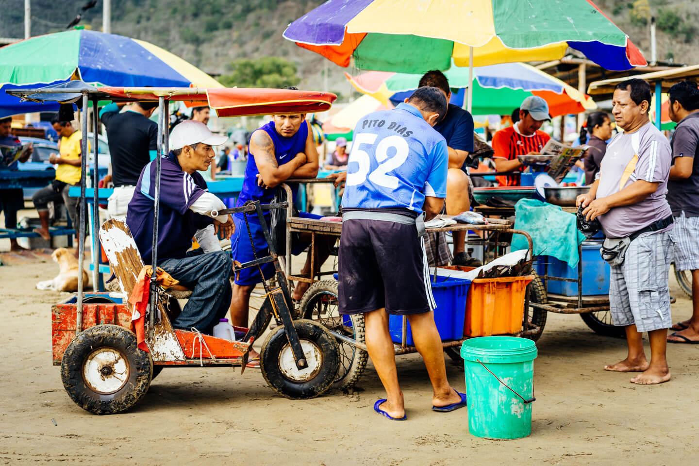 Marché au poisson de Puerto Lopez