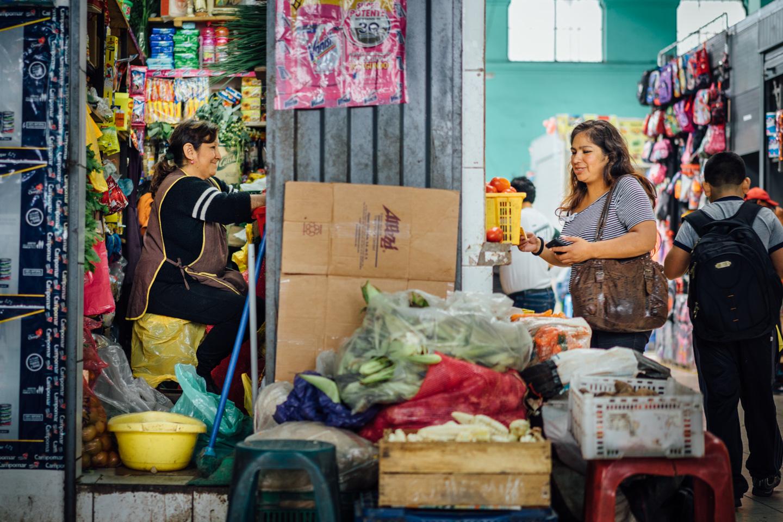 Négociation au marché de Lima