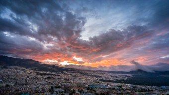 Coucher de soleil sur Quito, Equateur